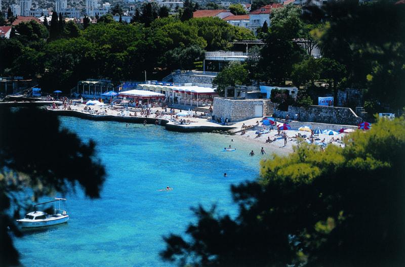 Maestral Hotels beach