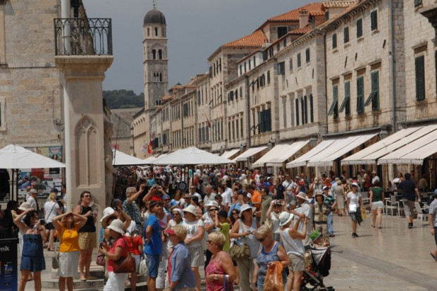 Tourists at Stradun