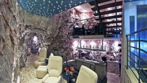 Cave Bar Hotel More