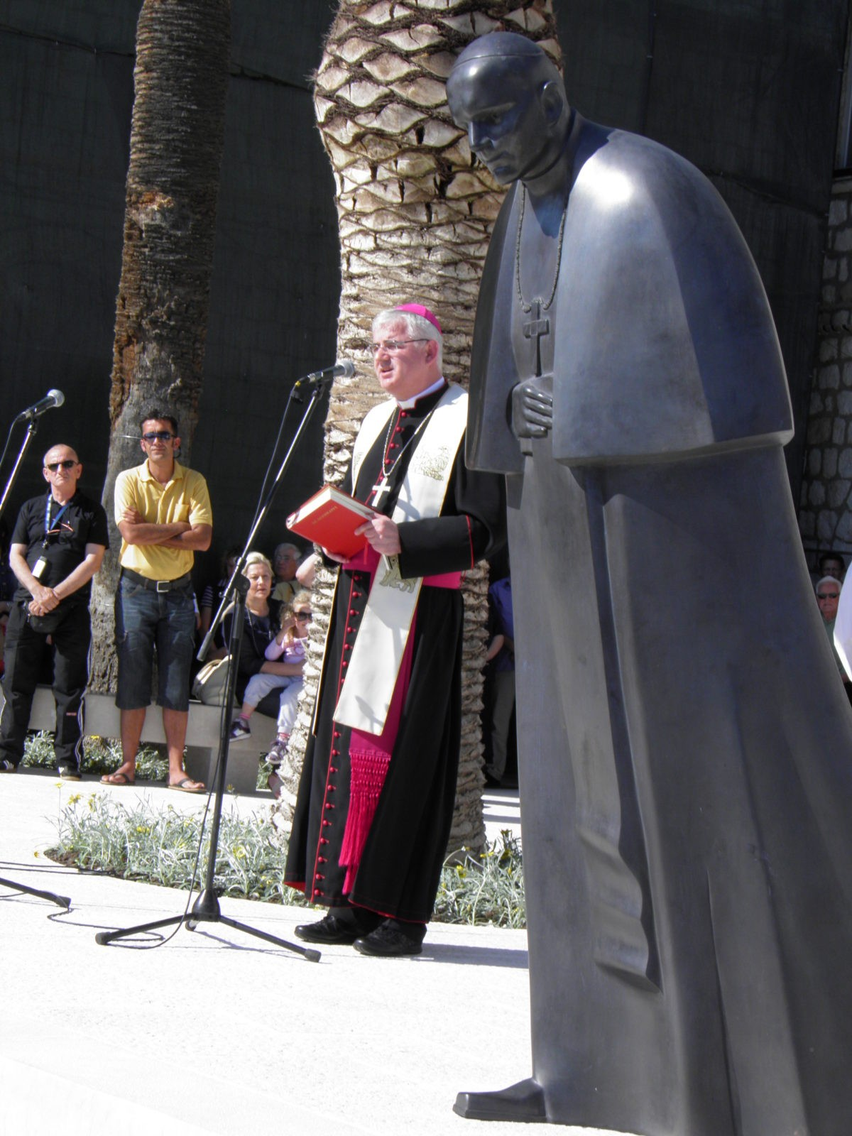 Pope John Paul II Statue Unveiled