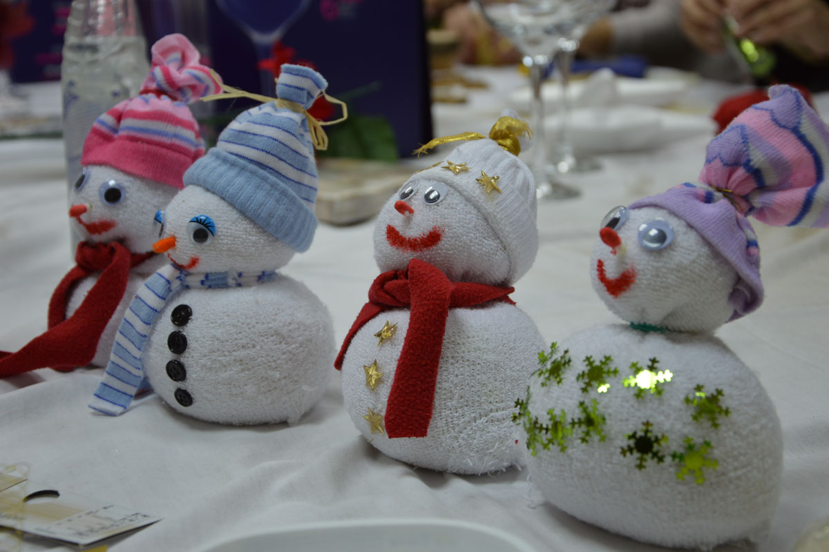 christmas decorations that will help the poor and needy