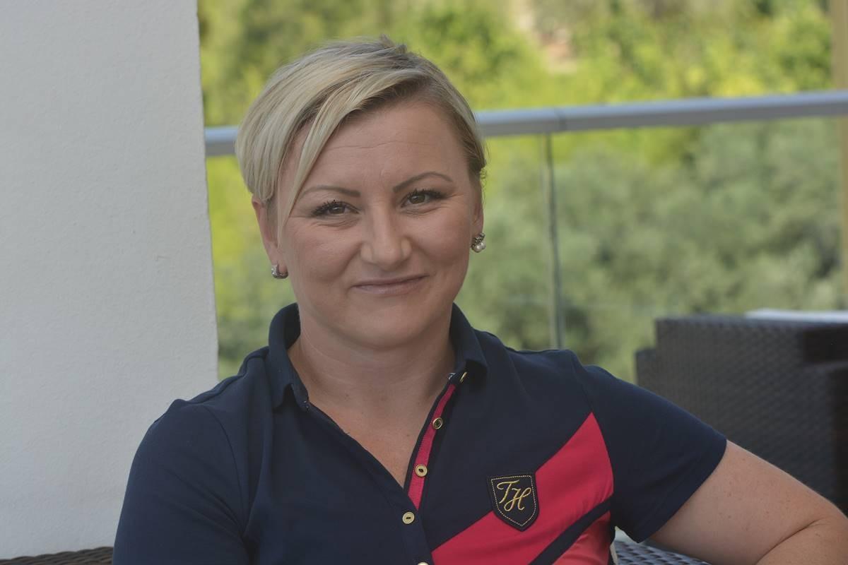 Kristina Mlinaric Pilot (5)
