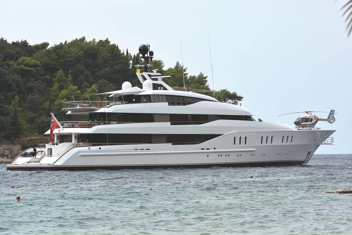 vanish-yacht