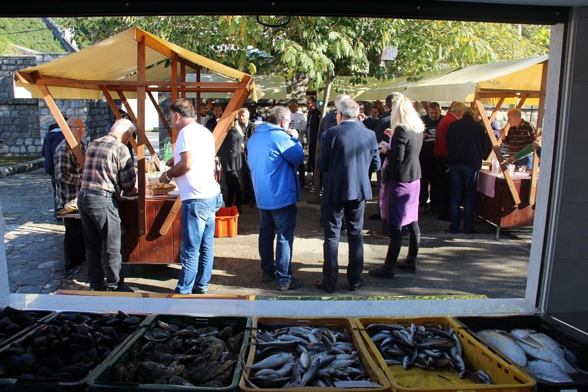 fish-market-in-ston-15