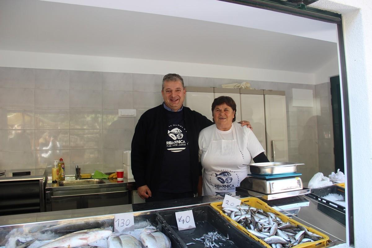fish-market-in-ston-8